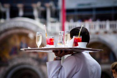 【飲食店接客マニュアルの9ステップ】6「追加オーダー」で満足度と客単価を確保